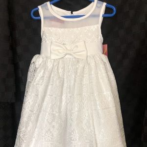 Girl's white dress, size 4